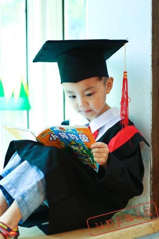 宝贝的幼儿园到小学一年级-快乐童年
