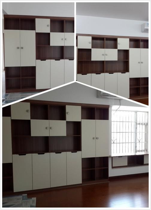 客厅3.3米长的书柜加2.1米长的书桌