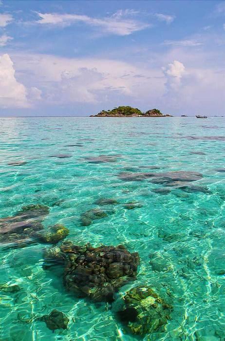 数数坐亚航去过的东南亚海岛 .