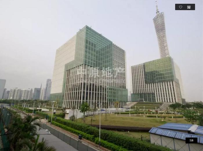 小区边上的广州媒体港及广州塔