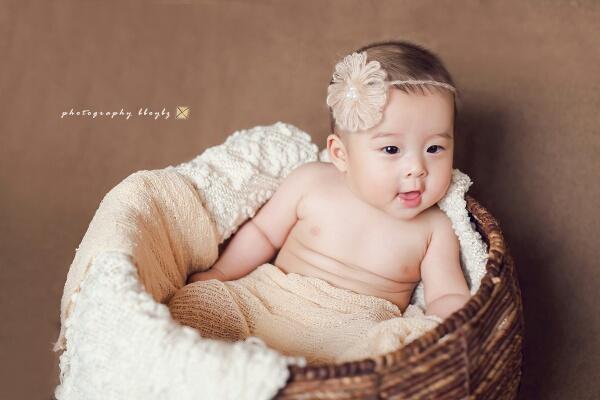 非常可爱的龙凤胎宝宝.