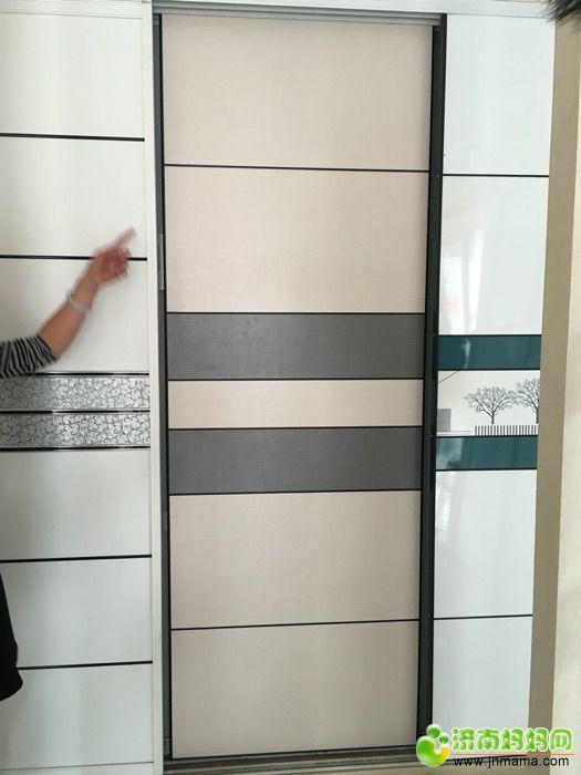 相中个灰色衣柜推拉门,是不是配白色衣柜不合适啊
