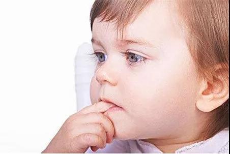 让宝宝到户外活动,和小伙伴们一起玩,使宝宝生活充实,生气勃勃.