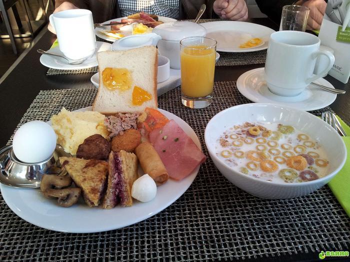 酒店早餐.jpg