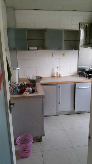 厨房,比较满意,挺大的