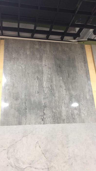 厨房更换的地砖.jpg
