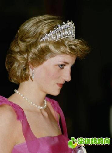 珍珠团 如果女人一辈子只能拥有一件珠宝首饰,那一定是珍珠 戴安娜