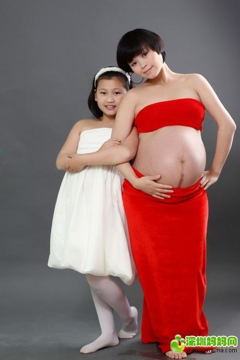 秀秀跟女儿合拍的孕妇照温馨幸福