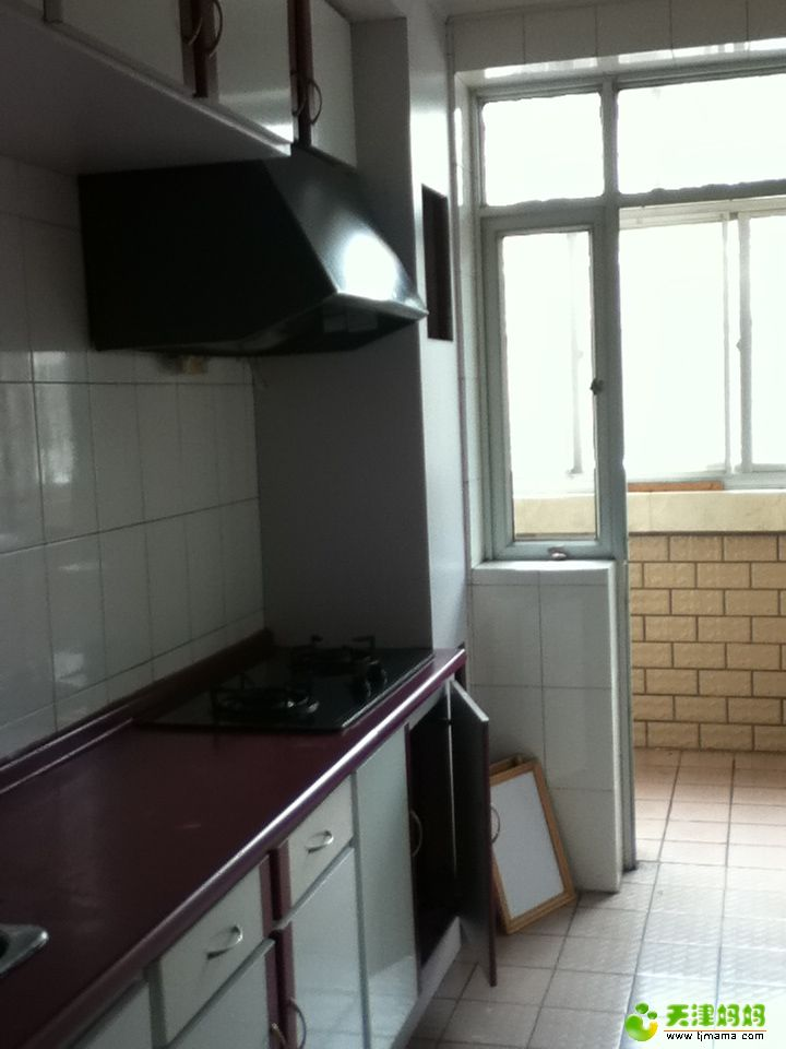拆砸前的厨房