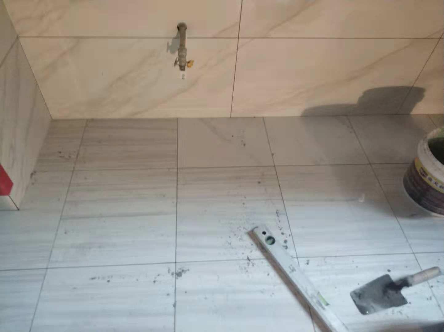 厨房地板补砖.JPG