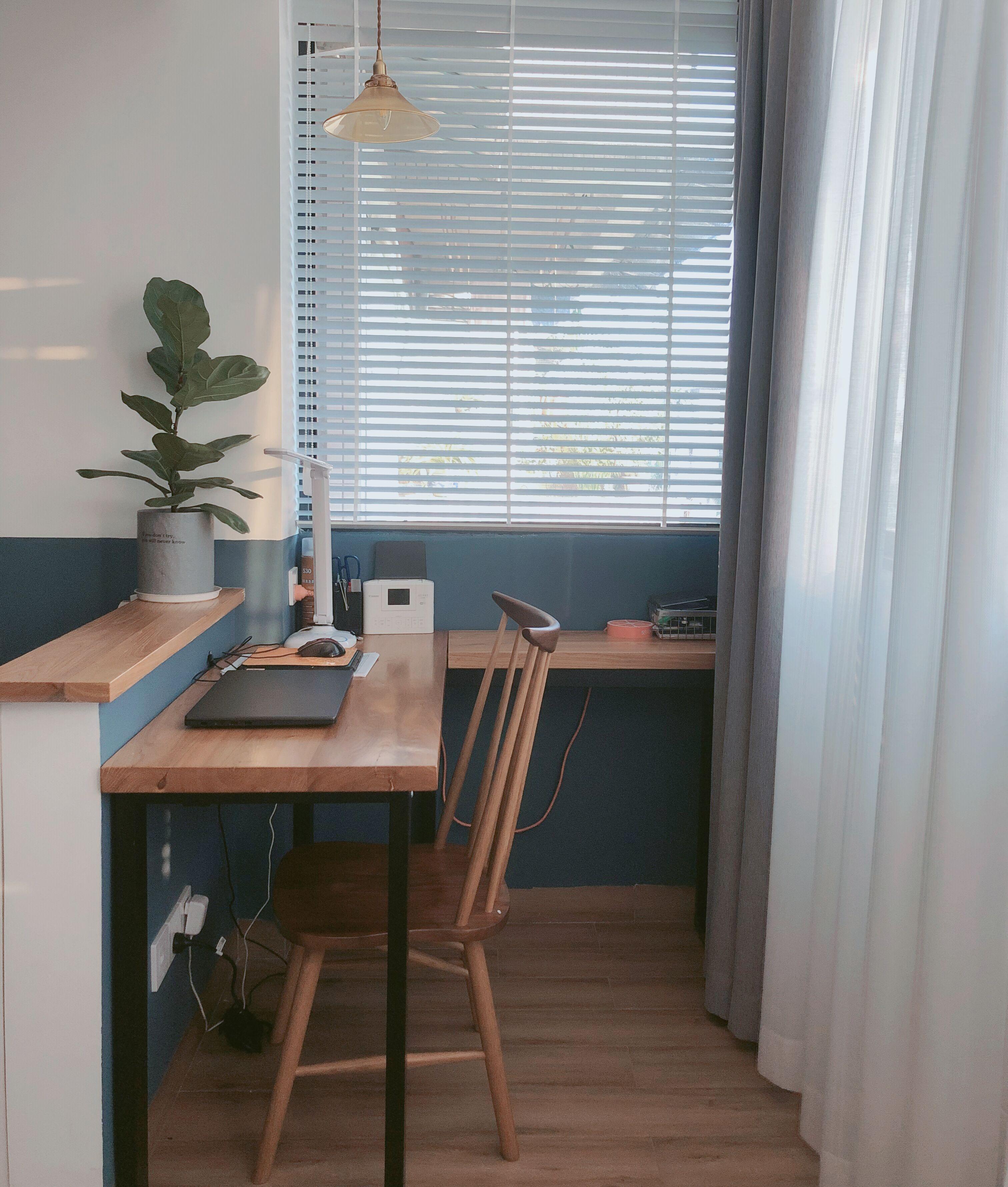 阳台书桌.jpg